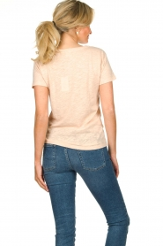 Knit-ted | T-shirt with text print Marian | pink  | Picture 5