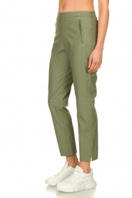 Knit-ted |  Faux leather pants Merle | green  | Picture 4