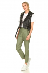 Knit-ted |  Faux leather pants Merle | green  | Picture 3