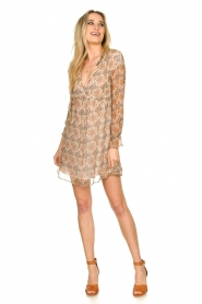 Patrizia Pepe | Dress with print Aeuthalia | brown  | Picture 3