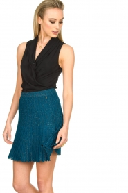 Patrizia Pepe |  Body top with V-neck Kyra | black  | Picture 4