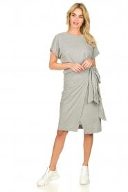 Les Favorites |   Solid wrap dress Jolie | grey  | Picture 3