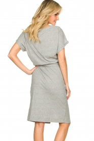 Les Favorites |   Solid wrap dress Jolie | grey  | Picture 5