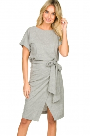Les Favorites |   Solid wrap dress Jolie | grey  | Picture 2