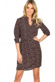 Les Favorites | Losvallende jurk Kirsten  | Picture 4
