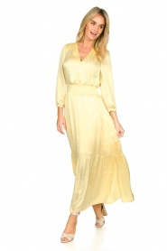 Dante 6 |  Satin midi dress Bardon | yellow  | Picture 2