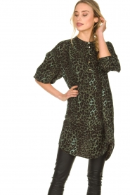Sofie Schnoor |  Leopard printed tunic dress Kamille | green  | Picture 4
