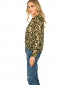 Sofie Schnoor |  Printed blouse Ciara | green  | Picture 4