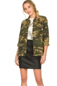 Sofie Schnoor |  Camo jacket Beate | green  | Picture 2