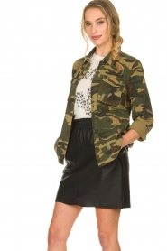 Sofie Schnoor |  Camo jacket Beate | green  | Picture 4