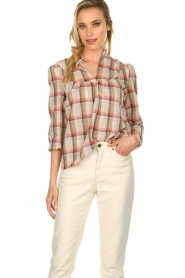 Sofie Schnoor |  Checkered blouse Franscisca | beige  | Picture 6