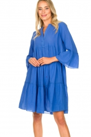 Devotion |  Cotton dress with ruffles Rosaline | blue  | Picture 6