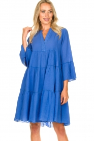 Devotion |  Cotton dress with ruffles Rosaline | blue  | Picture 5