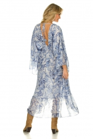 Misa Los Angeles |  Printed midi dress with butterfly sleeves Shadi | blue  | Picture 4