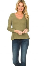 American Vintage |  Basic V-neck top Kobibay |  green  | Picture 2