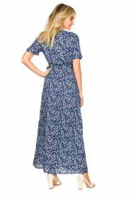 Freebird |  Maxi wrap dress with flower print Lilliana | blue  | Picture 5
