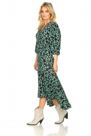 Freebird |  Maxi wrap dress with flower print Belia | green  | Picture 4