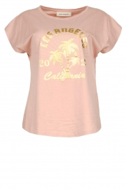Sofie Schnoor |  T-shirt with print Nikoline | pink  | Picture 1