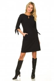 D-ETOILES CASIOPE |  Travelwear dress with sleeve details Therese | black  | Picture 6