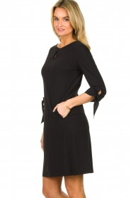 D-ETOILES CASIOPE |  Travelwear dress with sleeve details Therese | black  | Picture 4