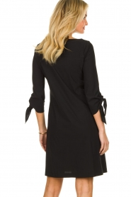 D-ETOILES CASIOPE |  Travelwear dress with sleeve details Therese | black  | Picture 5