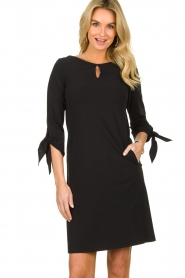 D-ETOILES CASIOPE |  Travelwear dress with sleeve details Therese | black  | Picture 2
