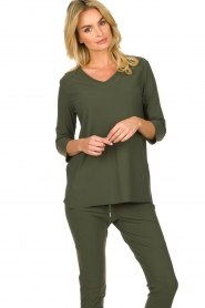 D-ETOILES CASIOPE |  Wrinkle-free stretch top Tigre | green  | Picture 4