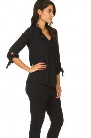 D-ETOILES CASIOPE |  Wrinkle-free stretch top with detailed sleeves Terre | black  | Picture 4
