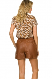 Ibana |  Brown leather short Feast | camel  | Picture 5
