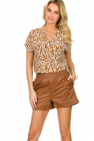 Ibana |  Brown leather short Feast | camel  | Picture 2