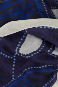 Moment by Moment |  Silk scarf Beau | blue  | Picture 3