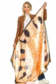 Moment by Moment |  Silk scarf Beau | orange  | Picture 3