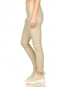 Knit-ted |  Faux leather pants Amber | naturel  | Picture 4