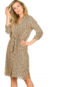 Second Female |  Midi print dress Eli | brown  | Picture 2