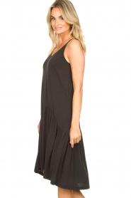 Second Female |  Sleeveless midi dress Rayes | black  | Picture 5