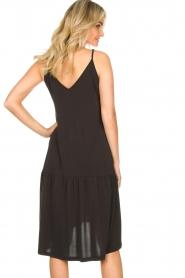 Second Female | Mouwloze midi-jurk Rayes | zwart  | Afbeelding 6