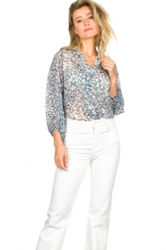 Second Female :  Print blouse Clouds | blue - img4