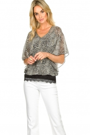 Aaiko |  Printed blouse Bika | black & white  | Picture 2