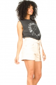 Sofie Schnoor    Sleeveless T-shirt with text imprint Ariana   black    Picture 6