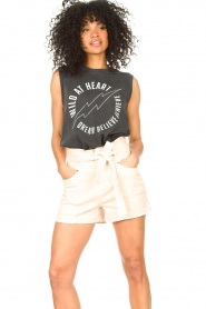 Sofie Schnoor    Sleeveless T-shirt with text imprint Ariana   black    Picture 5