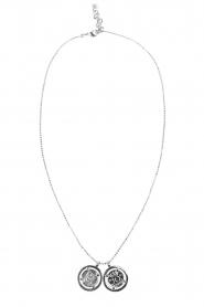 Deze double coin ketting van tov essentials is een fijne toevoeging aan je sieraden collectie. de ketting ...