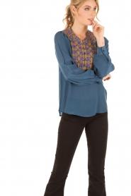 Antik Batik | Blouse Kwanita | blauw  | Afbeelding 2