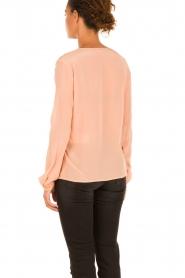 Hoss Intropia | Zijden blouse Carmen | zalmroze  | Afbeelding 5
