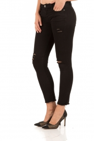 Current/Elliott | Cropped skinny ripped jean The Stiletto | zwart  | Afbeelding 4