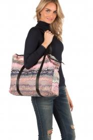 XL Shopper Relyea Leilani | print