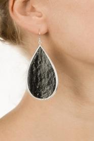 Close to Zen | Zilveren met leren oorbellen Tears of Joy | zwart   | Afbeelding 3