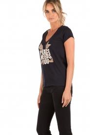 Leon & Harper | T-shirt Peace | zwart  | Afbeelding 4