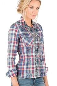 Checkered studded blouse Sendy | blue and red