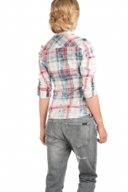 Dishe Jeans | Geruite studded blouse Rhiana | rood en blauw   | Afbeelding 5