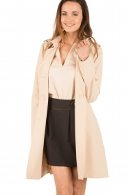 Patrizia Pepe | Double breasted trenchcoat Maria | nude  | Afbeelding 2